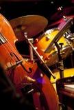 Live jazz-instrument setup på en etapp Arkivfoton