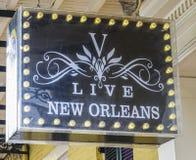 Live New Orleans Pub bij Frans Kwart - NEW ORLEANS, LOUISIANE - APRIL 18, 2016 stock afbeelding