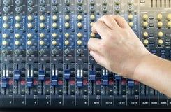 Live Sound Mixers musikstudio Royaltyfri Fotografi