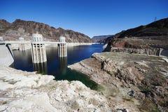 Livello dell'acqua della diga di aspirapolvere fotografia stock