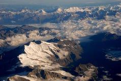 Livello sopra le alpi Immagini Stock