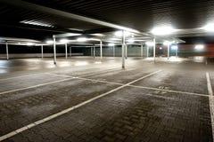 Livello vuoto di parcheggio fotografie stock