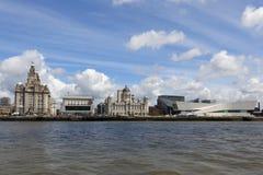 Liverpool från färjan Arkivbilder