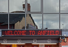 Liverpool, het UK, 21 April 2012. Onthaal aan Anfield-teken op Lever Royalty-vrije Stock Afbeeldingen
