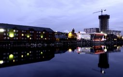 Liverpool koppelt - Keel Wharf-Ufergegend des Flusses Mersey, Liverpool, Großbritannien an stockfoto