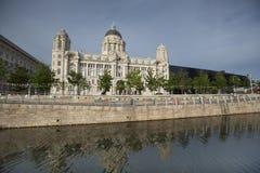 Liverpool, Merseyside, Reino Unido - 24 de junho de 2014, porto da construção da autoridade de Liverpool foto de stock royalty free