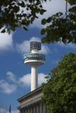 Liverpool, Merseyside, Reino Unido, o 24 de junho de 2014, rádio da torre da cidade e torre de observação de rádio fotos de stock royalty free