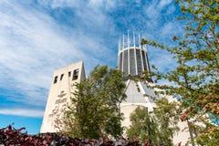 LIVERPOOL, R-U, LE 26 MAI 2019 : Une vue documentant l'ext?rieur de la cath?drale m?tropolitaine du Christ le roi, ? Liverpool photographie stock libre de droits