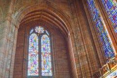 Liverpool, Reino Unido - 3 de abril de 2015 - vista interior da catedral de Liverpool imagens de stock royalty free