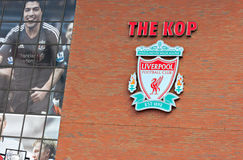 Liverpool, Reino Unido, o 21 de abril de 2012. Crista do clube do futebol de Liverpool, w Fotos de Stock Royalty Free