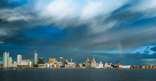 LIVERPOOL-SKYLINE, MERSEYSIDE, ENGLAND Lizenzfreies Stockfoto