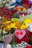 Liverpool UK, April 15 2014 - blommor som läggas för att fira minnet av 2na Arkivfoton