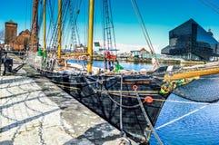 Liverpool UK - 03 April 2015 - det Kathleen och Maj skeppet ansluter i skeppsdocka på burk royaltyfri bild