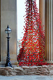LIVERPOOL UK, DECEMBER 8TH 2015 Gråta fönstret Poppy Sculpture Royaltyfria Foton