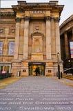 LIVERPOOL UK - FEBRUARI 19 2014: Ingången till det centrala arkivet i Liverpool på 19th Februari 2014 Arkivbilder