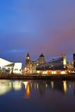 Liverpools historiska strandbyggnader Royaltyfria Bilder