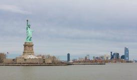 Liverty和曼哈顿雕象  免版税库存图片
