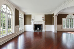 Living room with cherry wood flooring Royalty Free Stock Photo