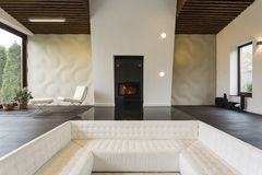 Living room with fireplace Royalty Free Stock Images