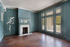Living room in old abandoned home Royalty Free Stock Images