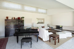 Living room with piano Royalty Free Stock Photography