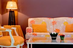 Livingroom. Comfortable living room whit couch, table and chair Royalty Free Stock Photos
