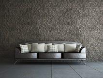 Livingroom med sofaen Arkivfoton