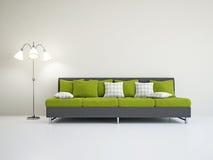 Livingroom med sofaen Arkivbild