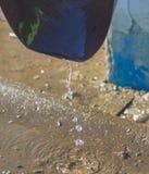 Livnestok дренажа стальной трубы с потоком воды Стоковые Изображения