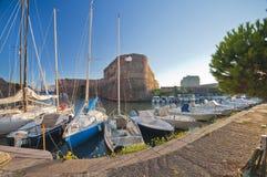Livorno-Hafen lizenzfreie stockfotos