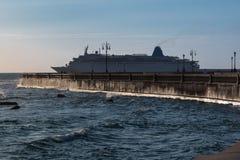 Livorno& x27; s Mascagni Terrace and Big White Cruise Ship, Tuscany, Stock Image