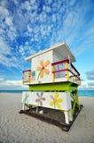 livräddare södra miami för strandfl-koja Arkivbild