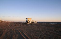 Livräddare Tower efter behag Rogers Beach Arkivbilder