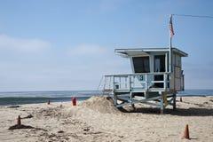 Livräddaren posterar i den Venedig stranden Kalifornien Arkivbilder