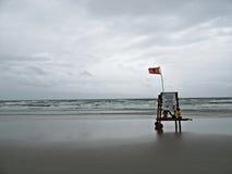 livräddarestol på stranden Royaltyfri Foto