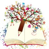 Livre avec le stylo d'arbre d'imagination Photos stock