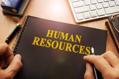 Livre avec les ressources humaines de nom photos libres de droits