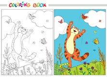 Livre de coloration Chat rouge sautant par-dessus les papillons dans l'herbe et les fleurs sur le fond du ciel bleu et des nuages Image stock