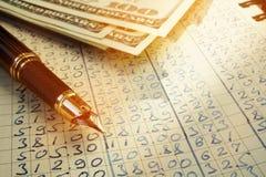 Livre de comptes pour le concep calculateur de budgétisation de coût image libre de droits