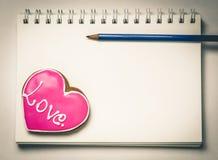 Livre de journal intime d'amour de valentines Photographie stock