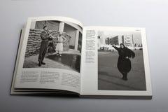 Livre de photographie par Nick Yapp, femme arabe dans Port-Saïd Photographie stock