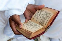 Livre fidèle et amharique Images libres de droits