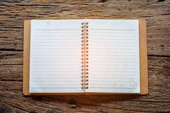 Livre sur la texture en bois de table image libre de droits