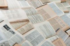 Livres étendant et effectuant la configuration Image libre de droits