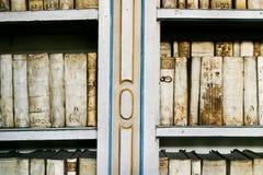 Livres antiques dans le monastère de Strahov Photographie stock