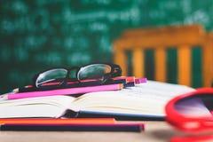 Livres d'étude et matériaux d'étude photographie stock