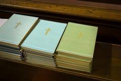 Livres de catholique de christianisme   photographie stock