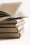 livres de livre une pile ouverte image libre de droits