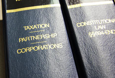 Livres de loi d'imposition Photo libre de droits