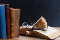 Livres et glaces Photographie stock libre de droits